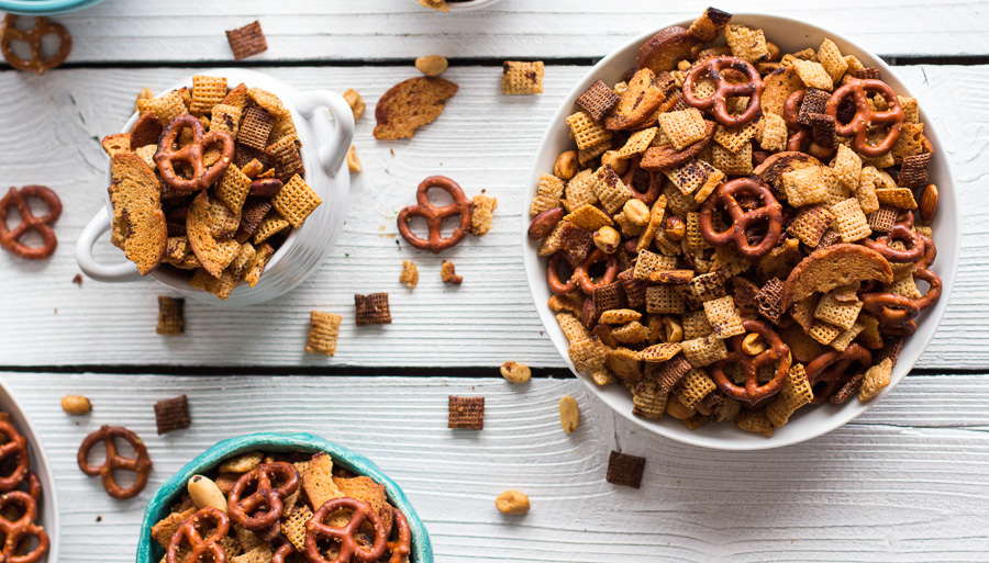 Moms-Secret-Christmas-Eve-Chex-Mix-6